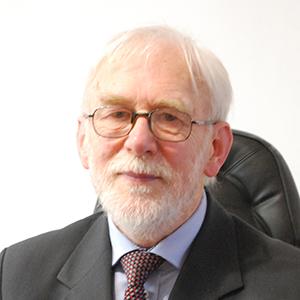 dr Marek Grynkiewicz